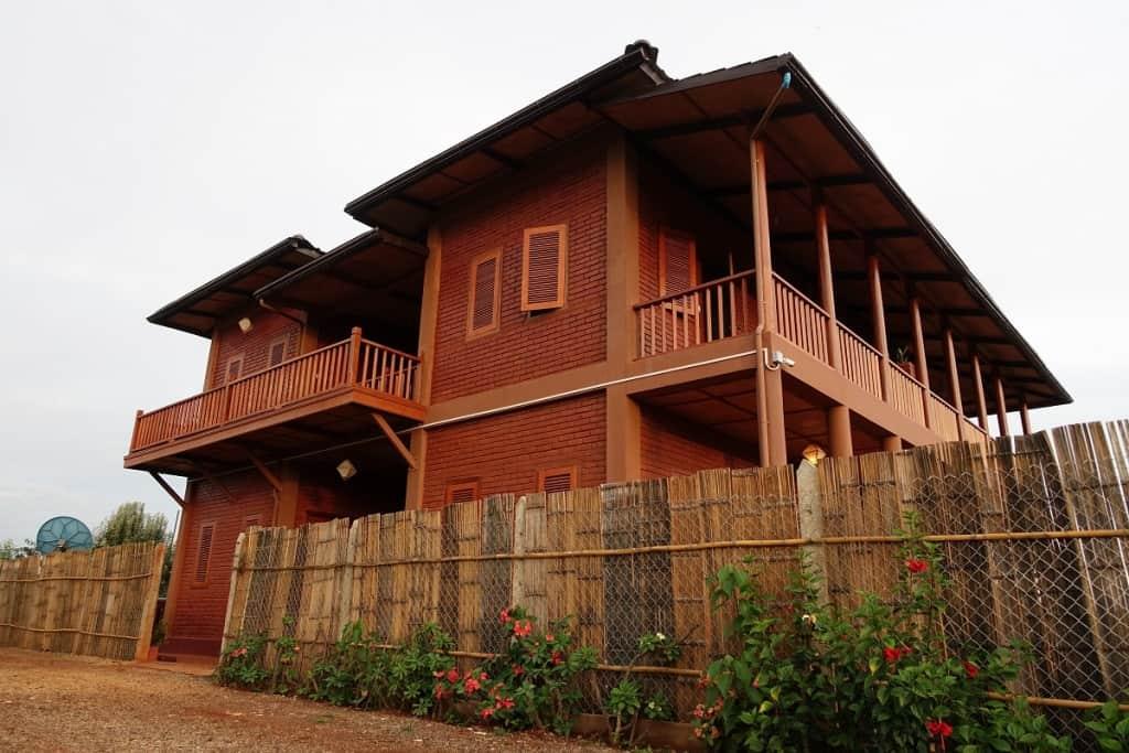 Thahara Pindaya farmhouse exterior