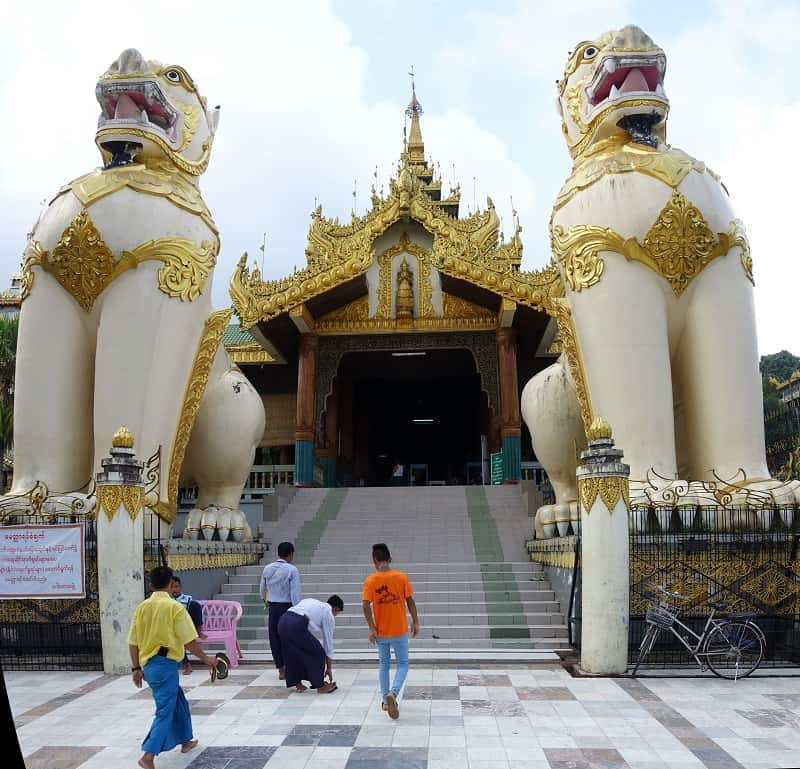 North entrance to Shwedagon, flanked by lions