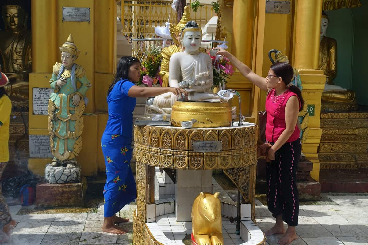Washing the Buddha at their planetary station, Shwedagon