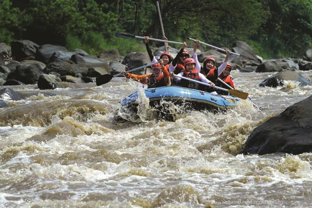 Whitewater rafting in Magelang