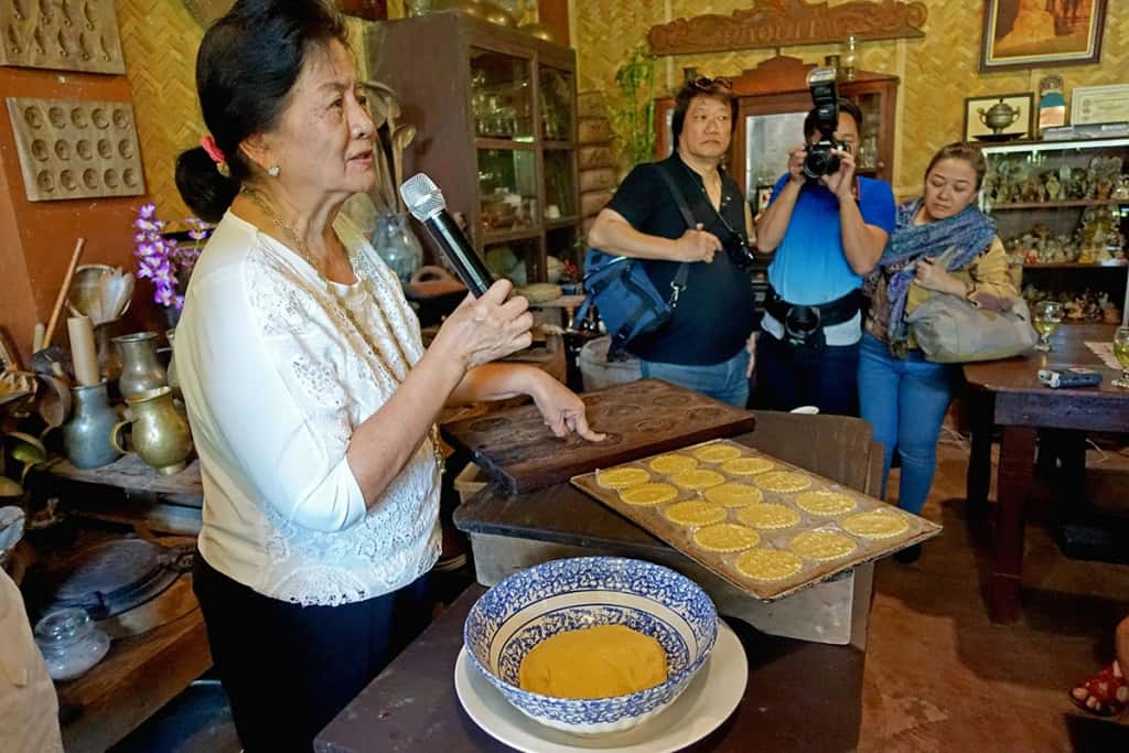 Atching Lillian Borromeo demonstrating how to make saniculas cookies